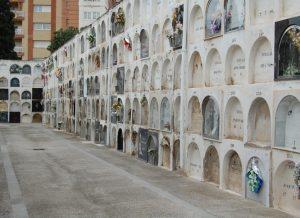 de Badalona recomana avançar les visites als cementiris municipals abans de la diada de Tot Sants