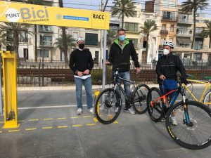 "Entra en servei al passeig Marítim el primer ""Punt Bici"" del Barcelonès Nord fruit"