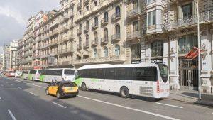 Traslladen la majoria de les parades d'inici i final de línia de bus supramunicipal que hi havia a la ronda Universitat