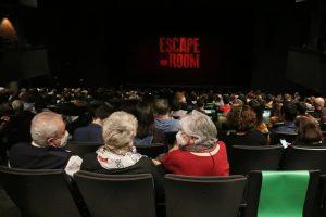 Els espectadors tornen als teatres després de quatre setmanes amb les platees buides