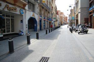 El carrer de Francesc Layret de Badalona es converteix de forma definitiva en una zona de vianants els cap de setmana i festius a partir d'aquest dissabte