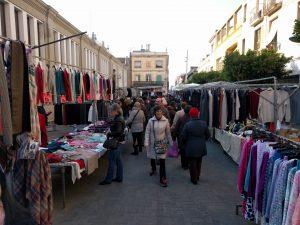 El 50 % de les parades del mercat de marxants de la plaça de Cuba de Mataró es traslladen al Nou Parc Central