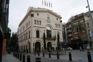 L'Ajuntament de Badalona convoca un minut de silenci avui a les 18 hores a la plaça de la Vila