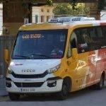 Bus llançadora per anar als col•legis electorals de Sant Vicenç de Montalt