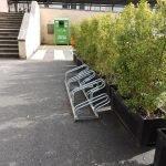 Instal•lats una vintena d'aparcabicis a equipaments i parcs públics d'Alella