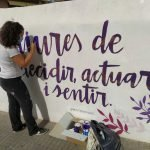 Comença la reparació del mural contra la violència masclista de l'avinguda Escultor Monjo de Vilassar de Mar