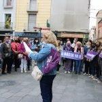 Concentració a Badalona per condemnar l'agressió sexual que va patir una jove