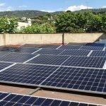 Instal•lació de plaques fotovoltaiques a l'Espai Jove Altell de Cabrils