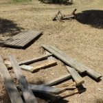 Actes vandàlics al parc de la riera del Gorg de Sant Vicenç de Montalt