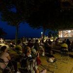 L'Ajuntament de Calella transforma el Passeig Manuel Puigvert i la Platja Gran en cinemes a l'aire lliure
