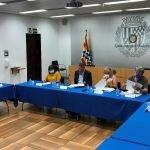 L'Ajuntament de Badalona i sindicats acorden mantenir i vetllar pel manteniment de les condicions laborals dels treballadors i treballadores del servei de neteja